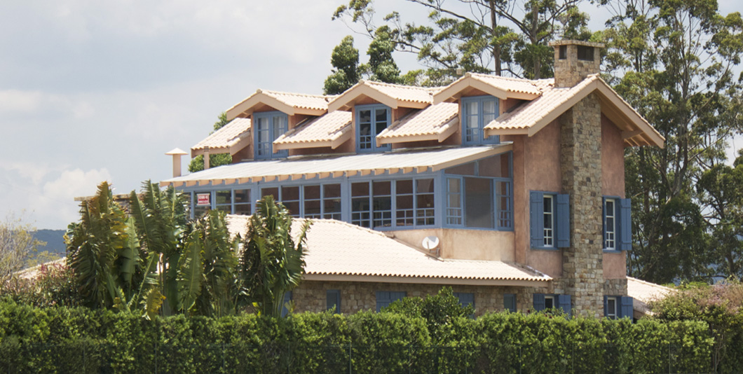 BRA – Casa com 3 Pavimentos em Cabreuva – SP