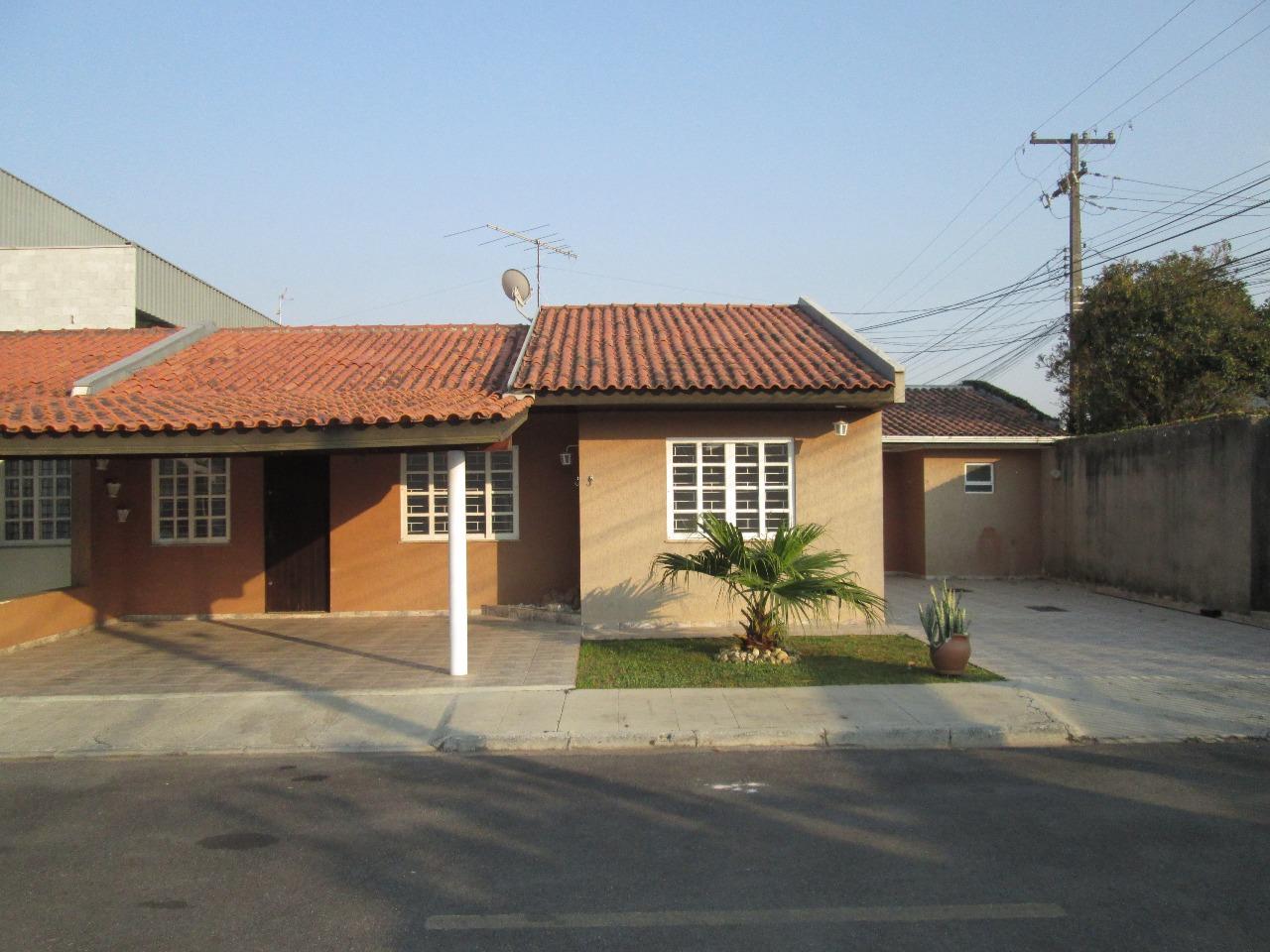 BRA – Casa em  São Jose dos Pinhais – PR