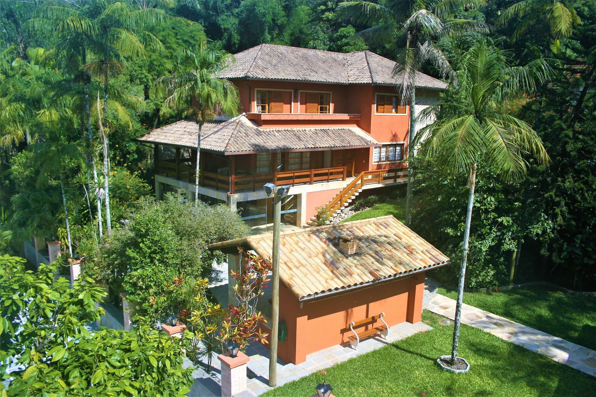 BRA – Excelente Casa em Serra dos Orgãos – RJ
